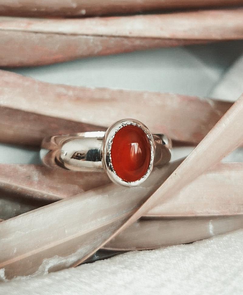 Minimalist Carnelian Ring Aphrodite, Silver