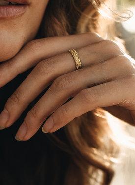 Gold Plated Ring Met Vintage Patroon Selene