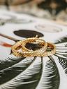 Enkele Gold Plated Grote Hoop Oorbel Ariadne
