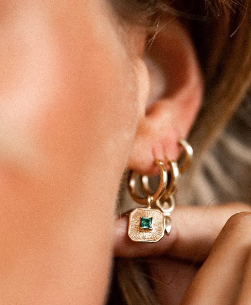 Single Green Quartz Earring Chak, Gold Plated
