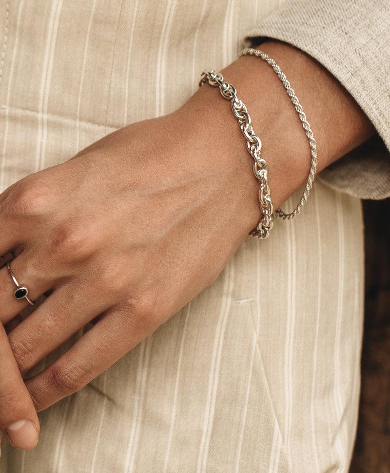 Twisted bracelet Makana, Silver