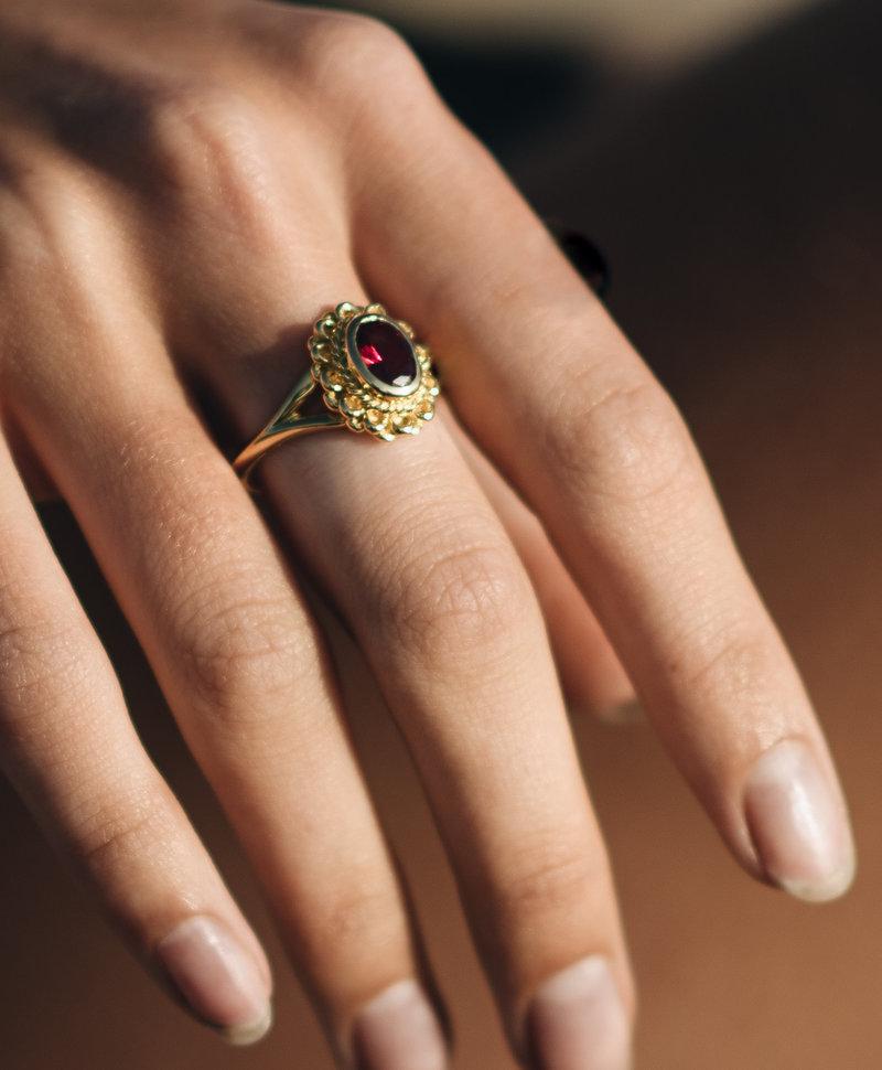 Gold Plated Ring Met Roze Robijn Persephone
