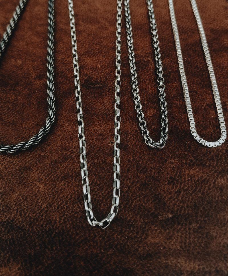 Oxidized Oval Chain Necklace Gunnar