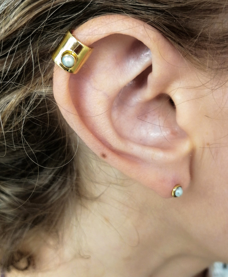 Ear Cuff With Pearl Iskra, Gold Plated