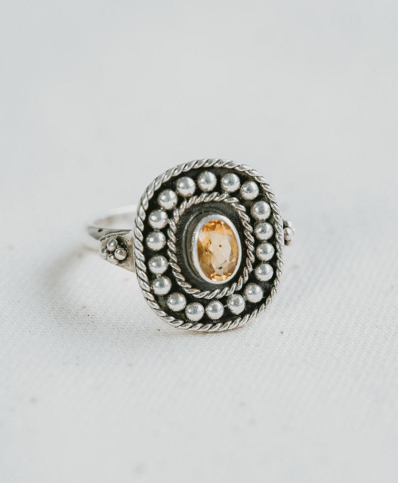 Citrine Ring Uma, Silver