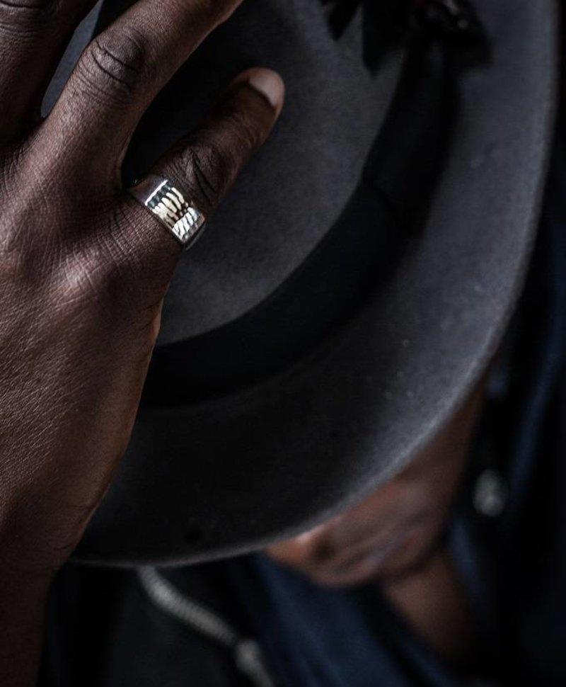 Zilveren Geslagen Mannen Ring Mash