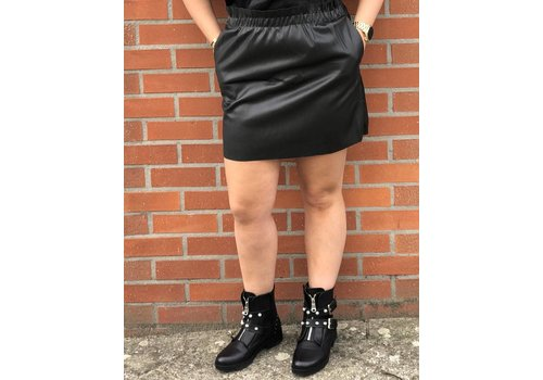 Clashy Fake leather skirt
