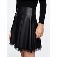 Clashy - Little black leather skirt