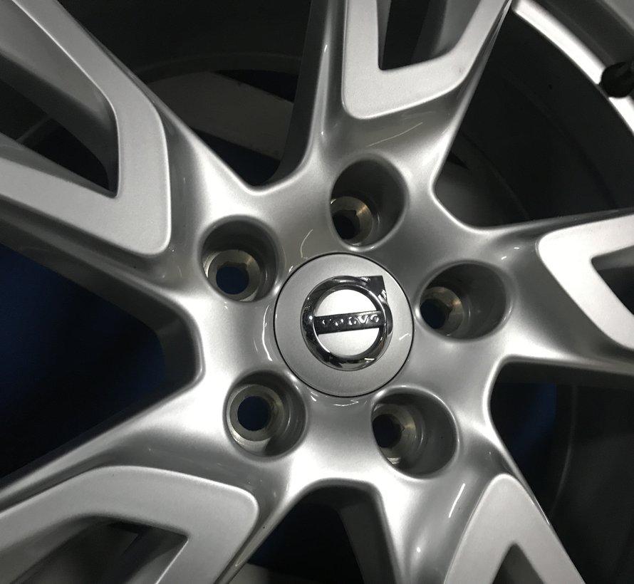 Volvo 18 inch 5-Double Spoke Silver velgen + zomerbanden XC60 ll vanaf 2016