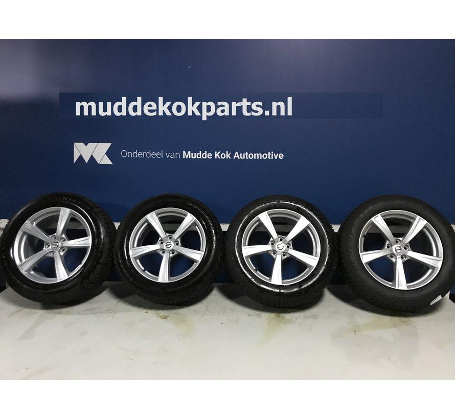 """Volvo 18"""" 5-spaaks Sparkling Silver velgen + Dunlop winterbanden XC60  >2016"""