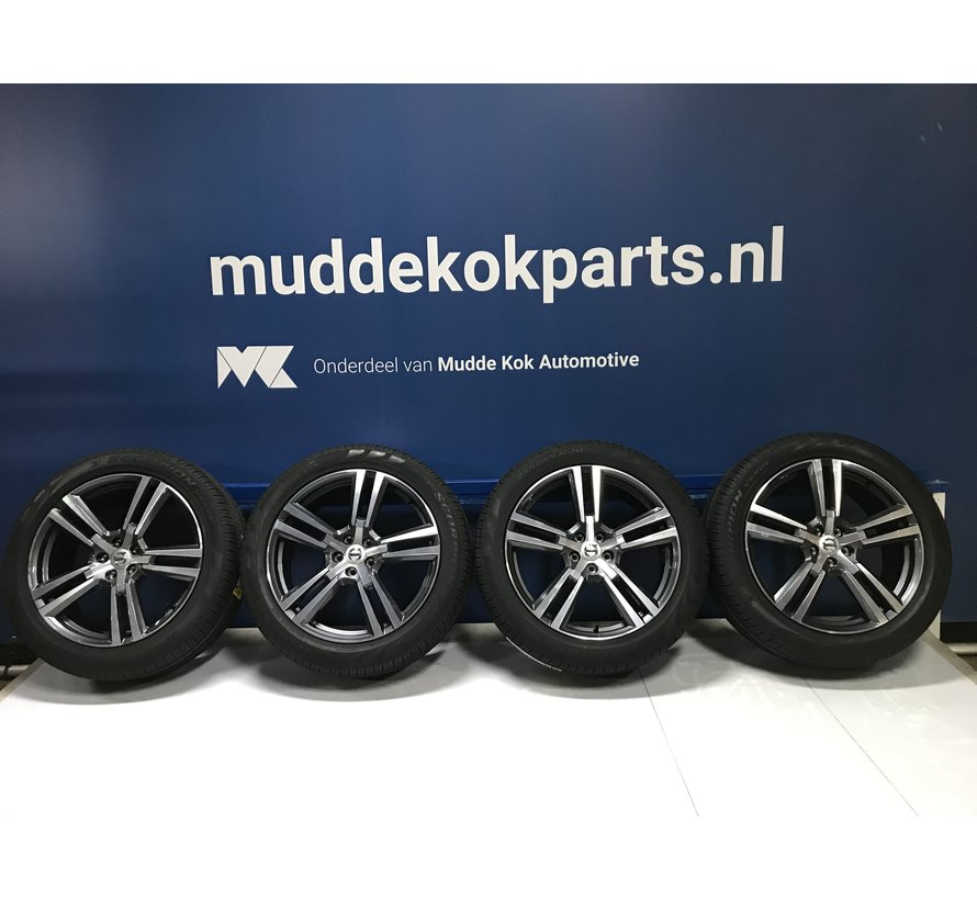 Volvo nieuwe 20 inch 5×2 Spaaks velgen + Zomerbanden XC60 >2016