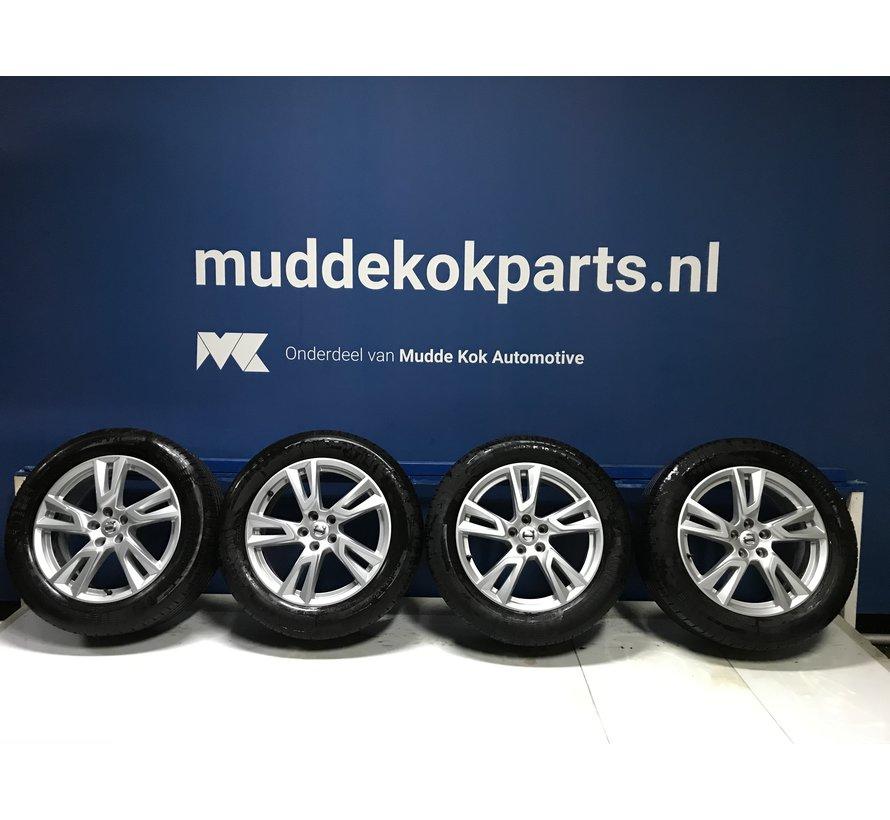 Volvo 18 inch 5-Double Spoke Silver velgen + zomerbanden V90CC / XC40