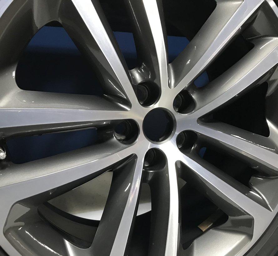 Jaguar 19 inch F Pace velgen + winterbanden