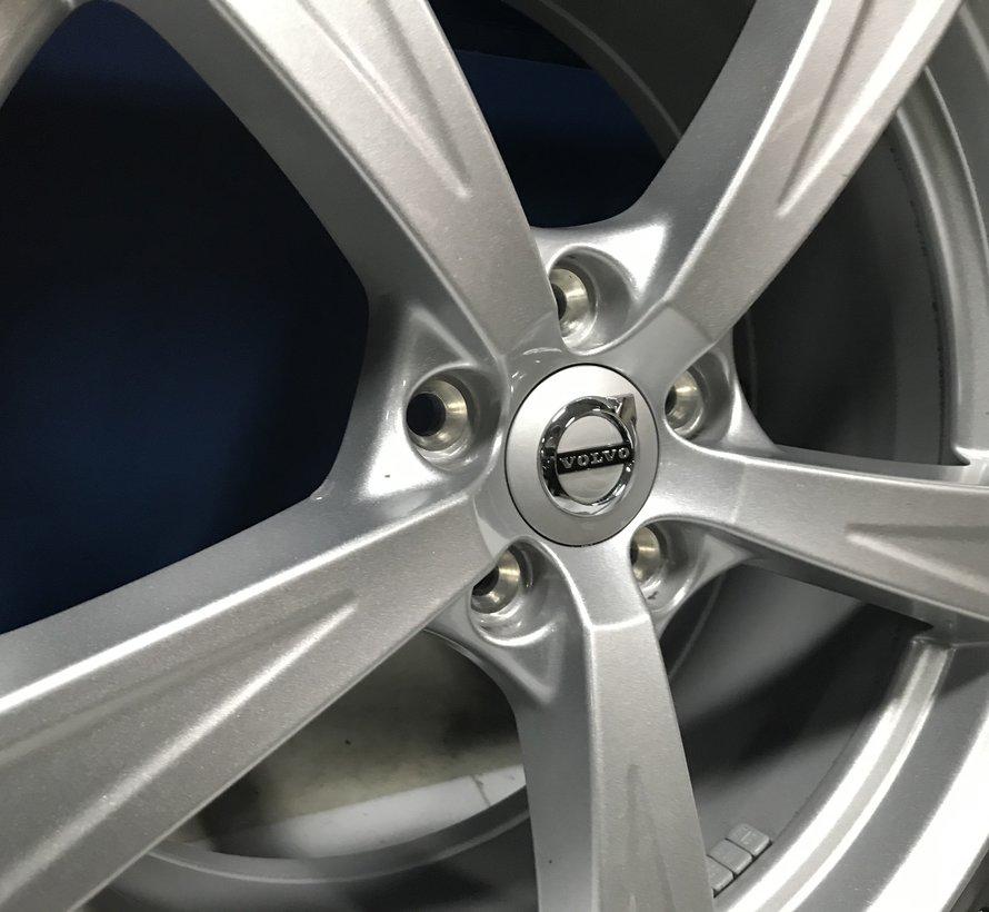 Volvo 18 inch 5 spaak velgen + winterbanden XC90 ll