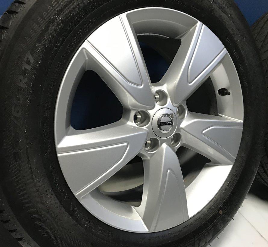Volvo 17 inch 5 spaak velgen + zomerbanden XC40