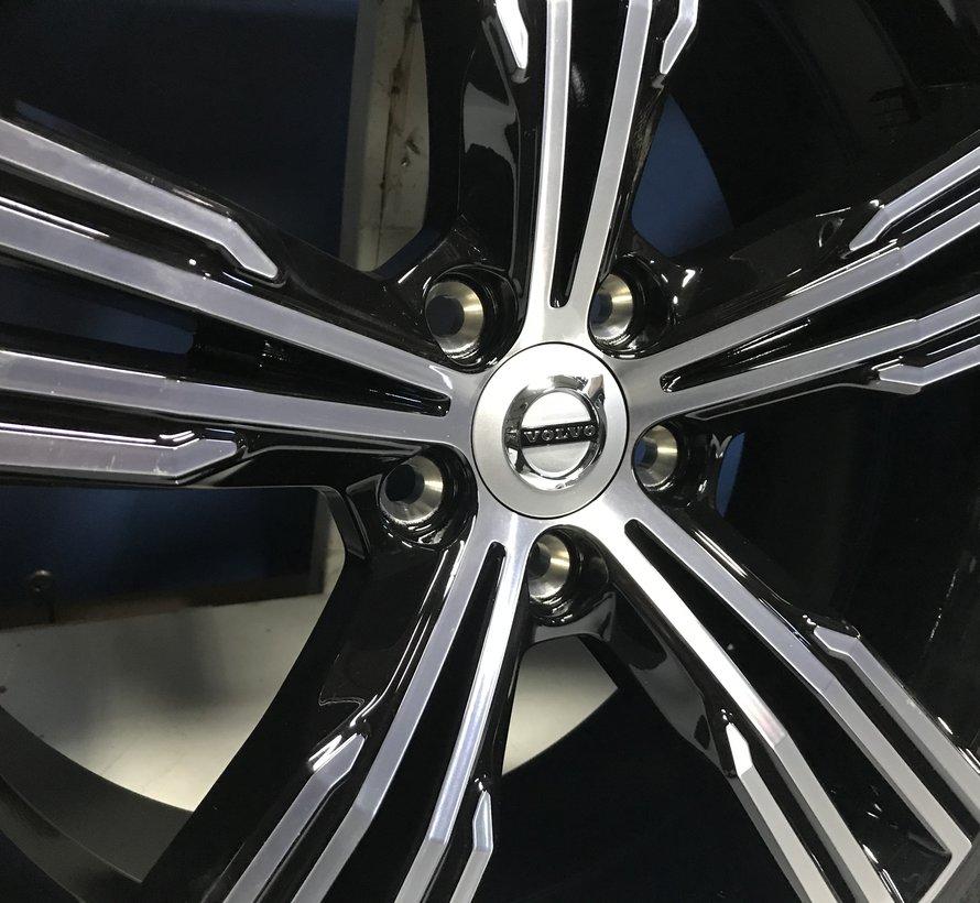 Volvo NIEUWE 19 inch 5-Multi Spaak velgen + Winterbanden V60 II / S60 III