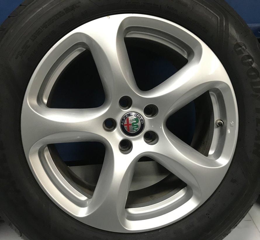 Alfa Romeo velgen + zomerbanden Stelvio Q