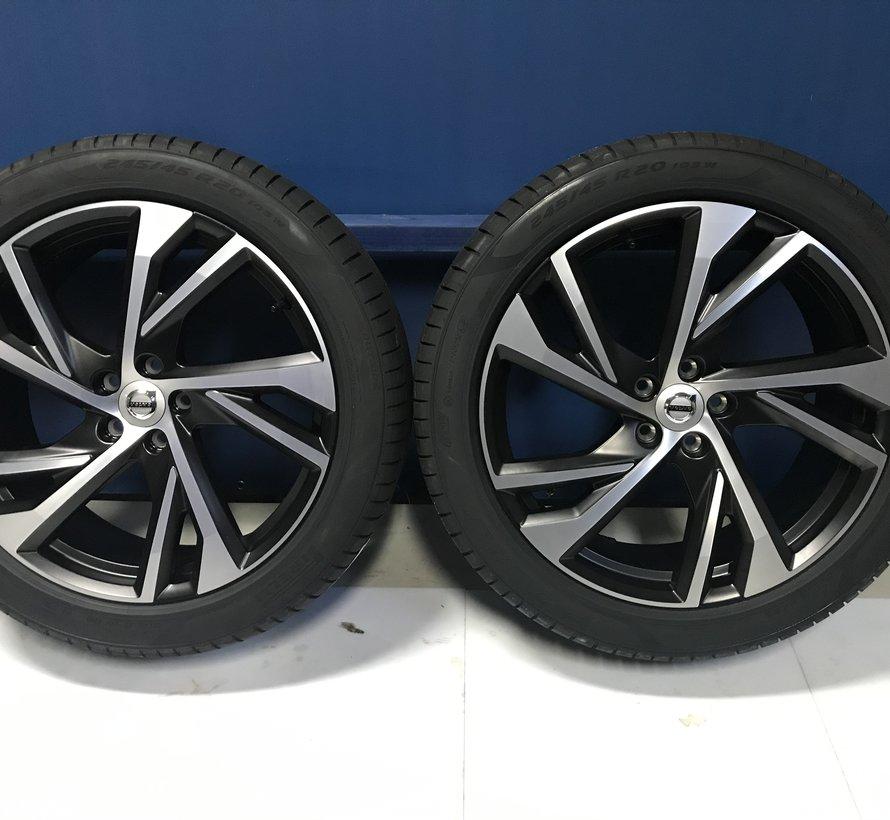 Volvo NIEUWE 20 inch R-design velgen + winterbanden XC40 / V90 CC