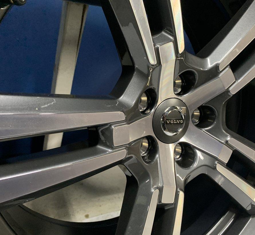 Volvo nieuwe 20 inch 5×2 Spaaks velgen + Winterbanden  XC60 ll vanaf 2016