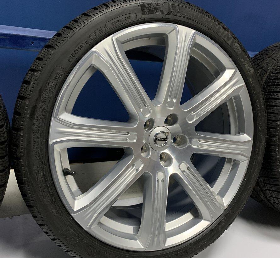 Volvo 20 inch 8 spaak Inscription velgen + winterbanden S90 / V90