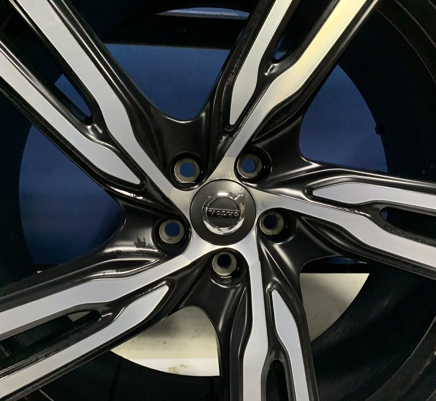 Volvo 21 inch R-design velgen + winterbanden S90/V90