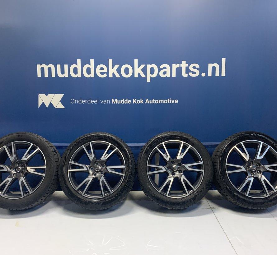 Volvo 19 inch 6 dubbel spaak velgen + zomerbanden V90 CC / XC40