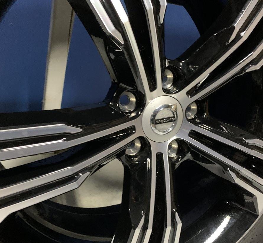 Volvo 19 inch Inscription velgen + Zomer banden XC40 / V90CC