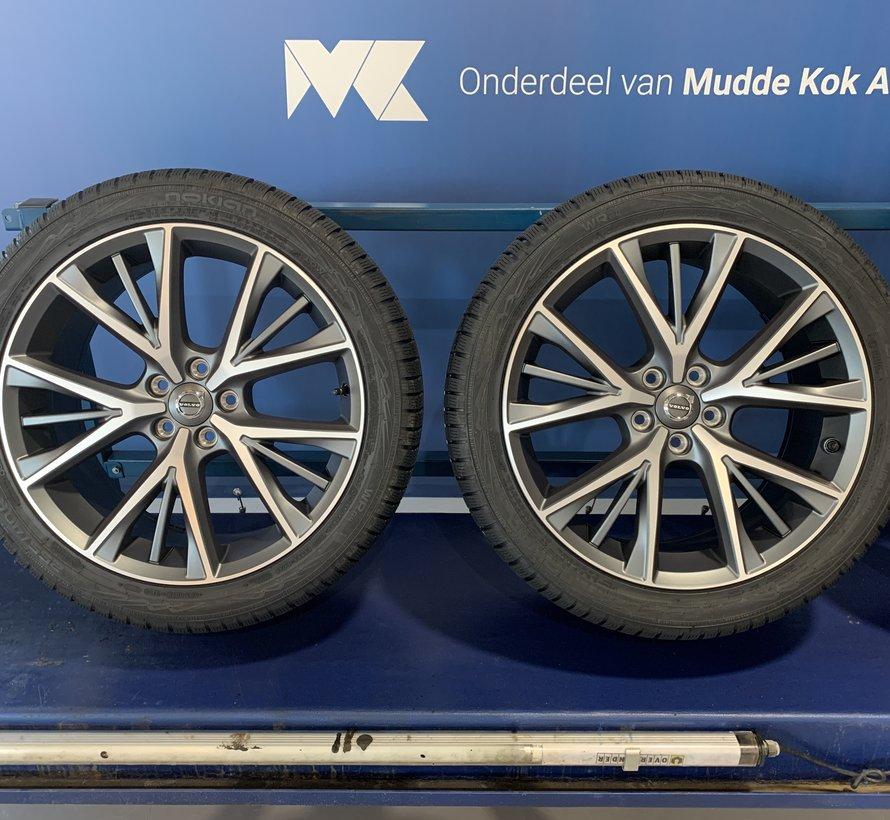 Volvo NIEUWE 19 tripel spaak velgen + winterbanden S90 / V90