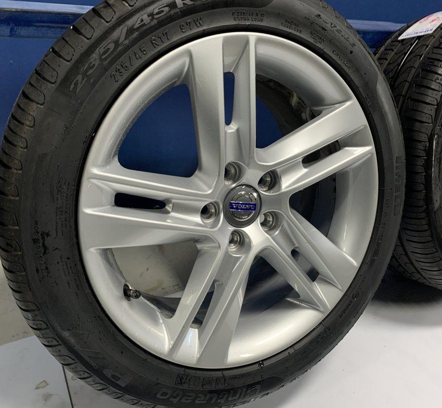Volvo 17 inch Sadia velgen + Zomerbanden V60 PHI