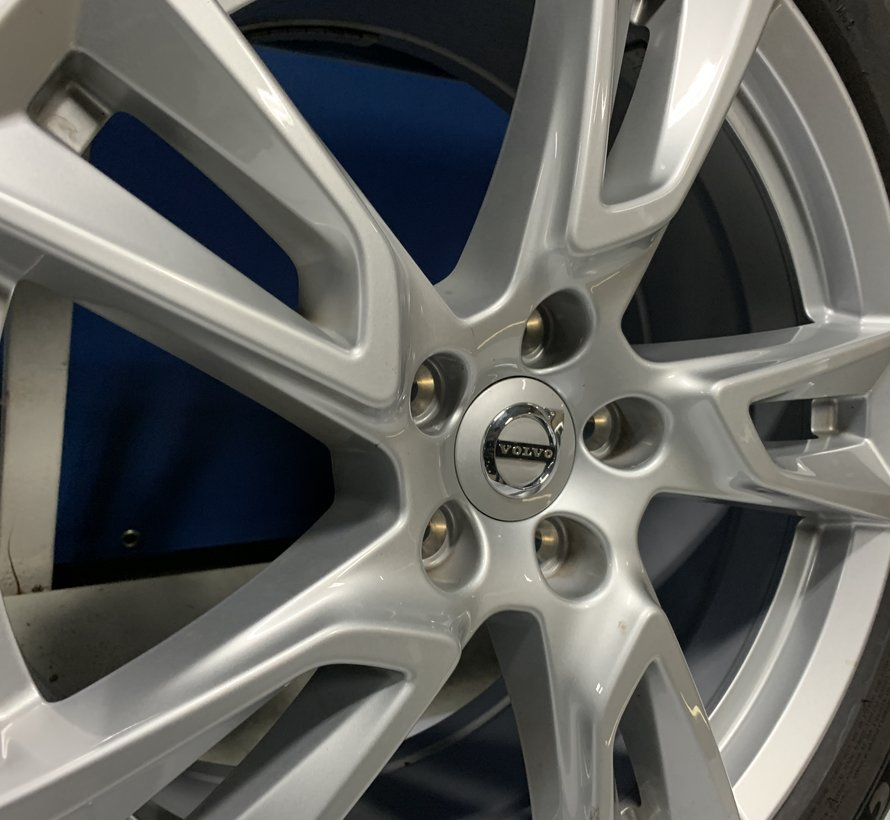 Volvo 18 inch velgen + winterbanden XC40 V90CC