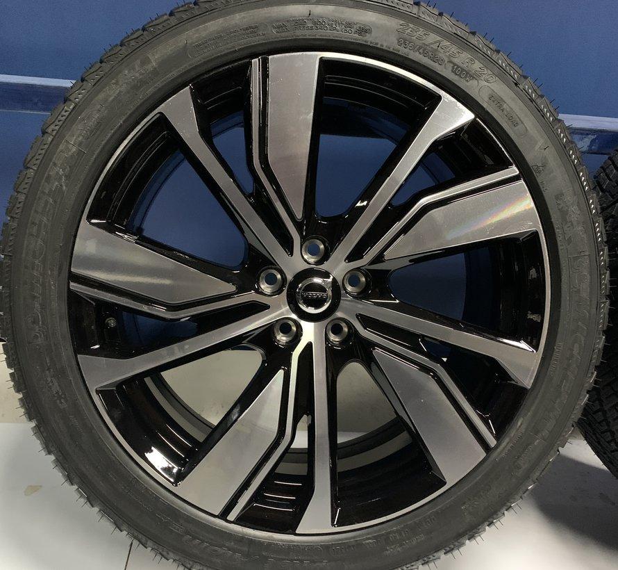 Volvo 20 inch velgen + Winterbanden XC40 P8 Pure Electric