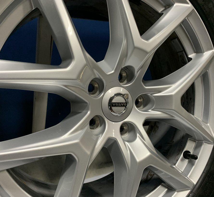 Volvo 18 inch Y spaak velgen + Zomerbanden XC60 2017-
