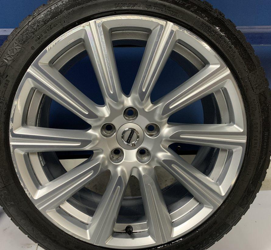Volvo 19 inch inscription velgen + Winterbanden S90 V90