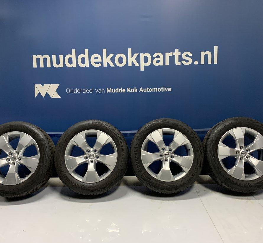 Volvo NIEUWE 18 inch 5 spaak velgen + zomerbanden XC40