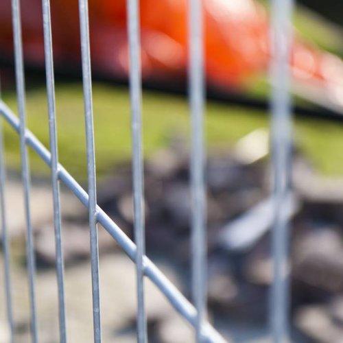 Naverzinkte hekken