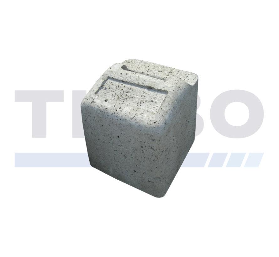 Butée de sol en béton haut pour portails battants industriels ou design