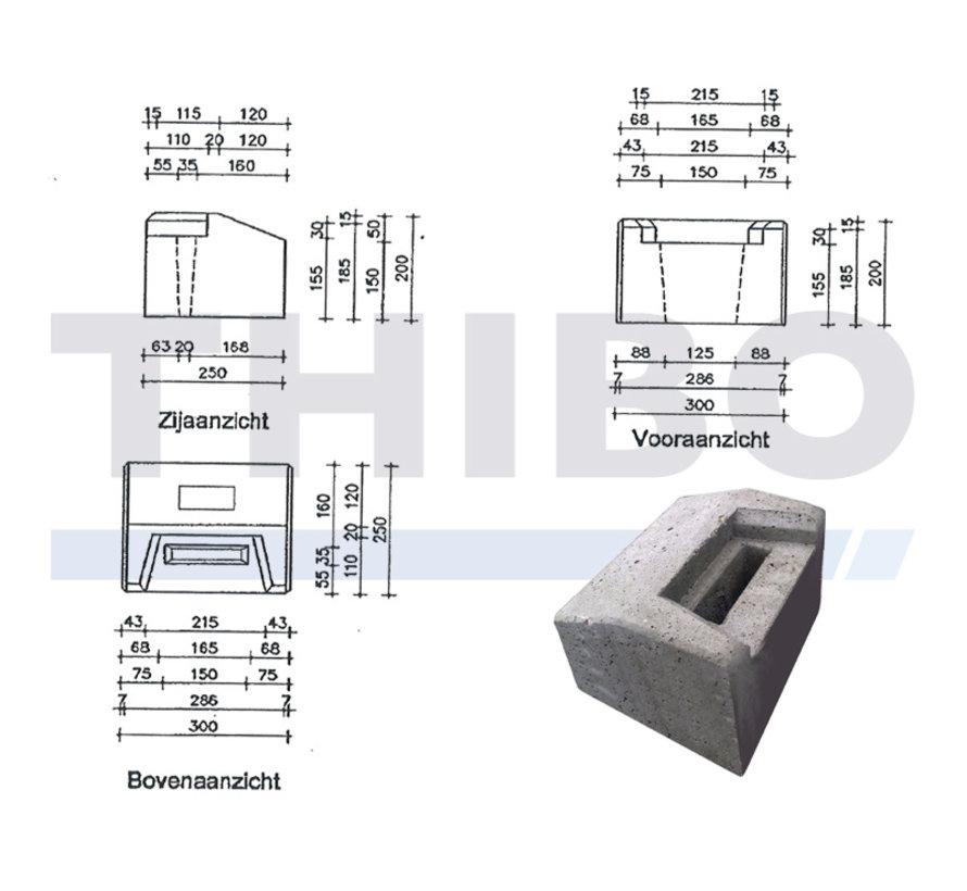 Laag betonnen aanslagblok voor industriële of designdraaipoorten