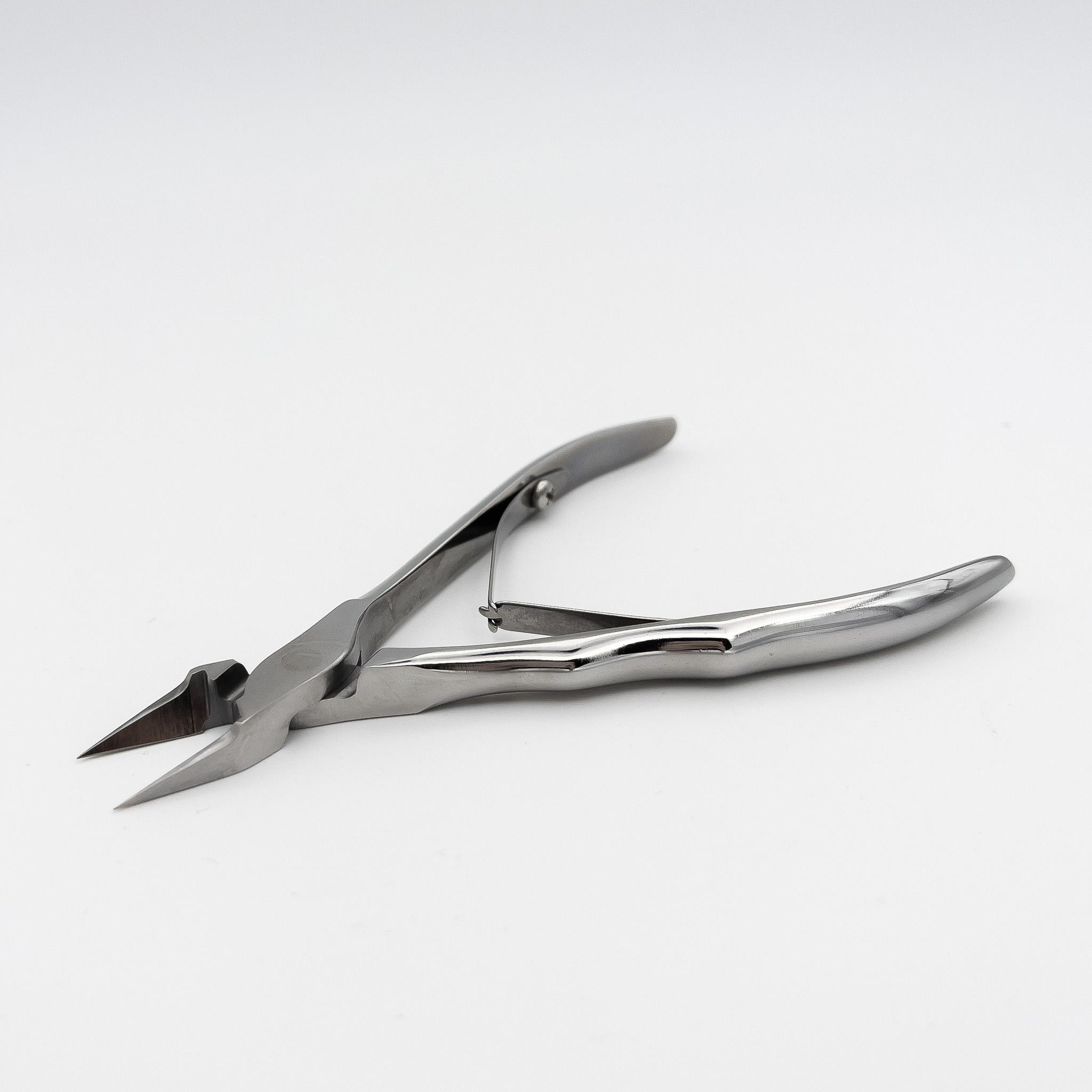 STALENA Pince à ongles incarnés grande, plate et pointue  avec poignée ergonomique K-05 (N7-61-16)