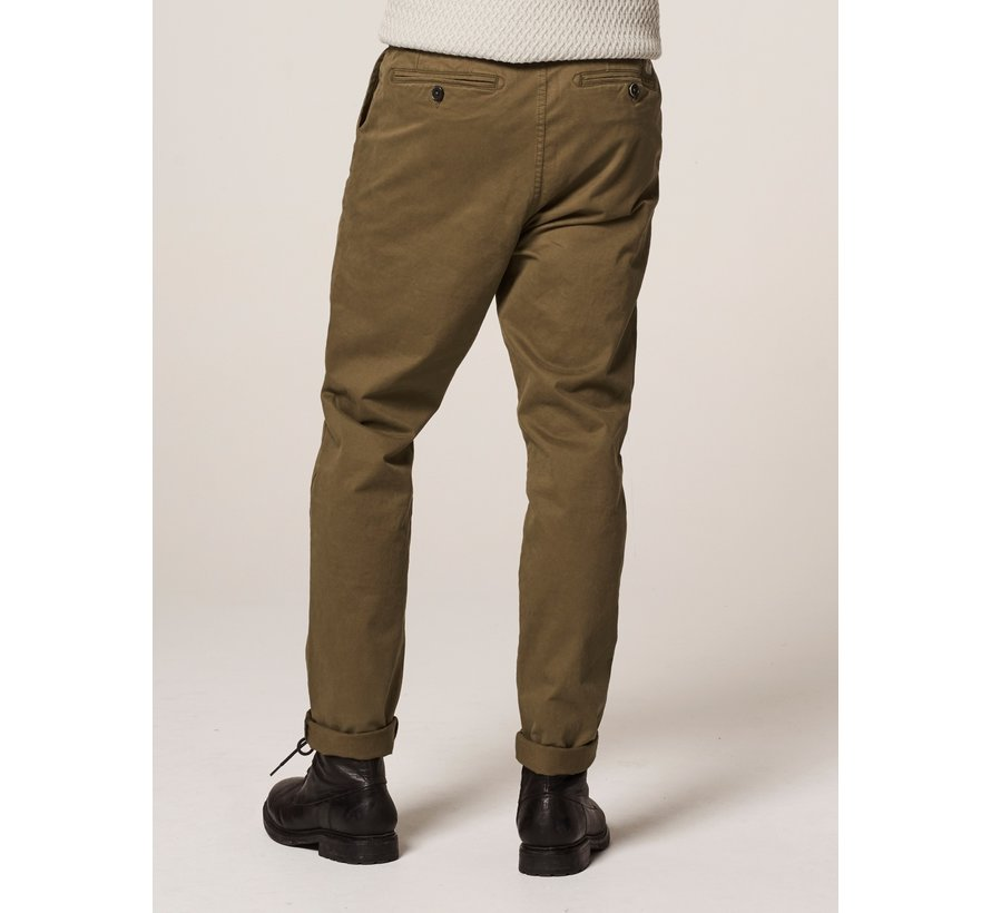 Chino met Riem Presley Loose Fit Army Green (501328 - 511)