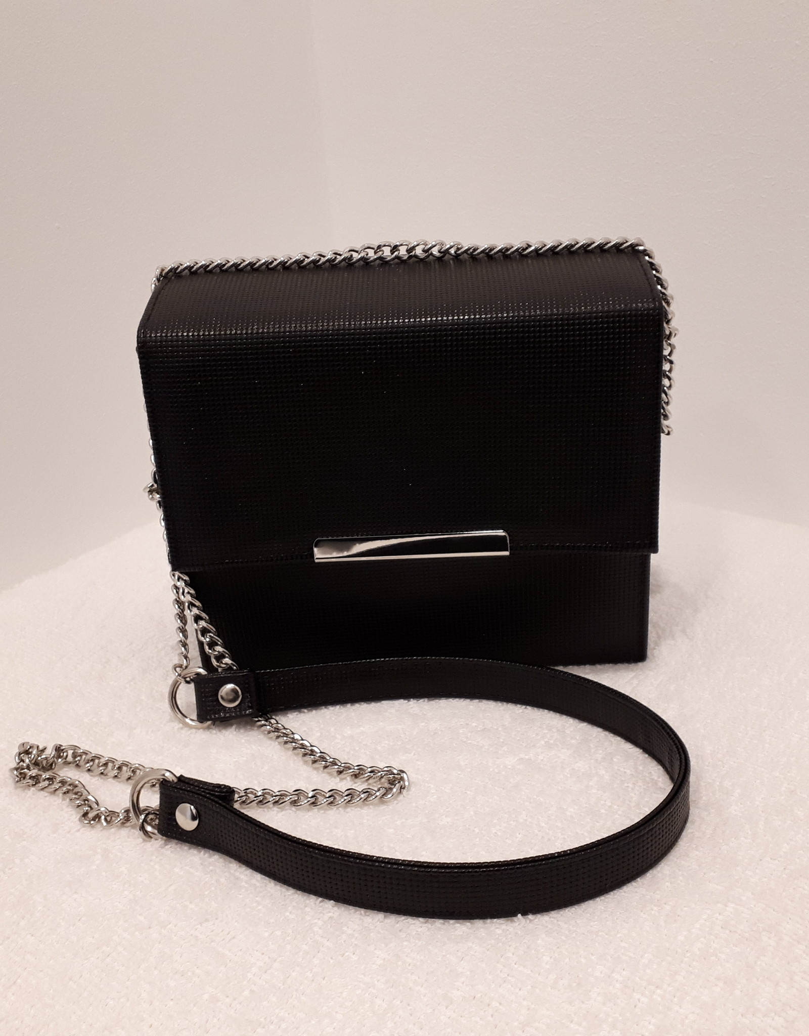 About accessories About Accessories Tas Zwart