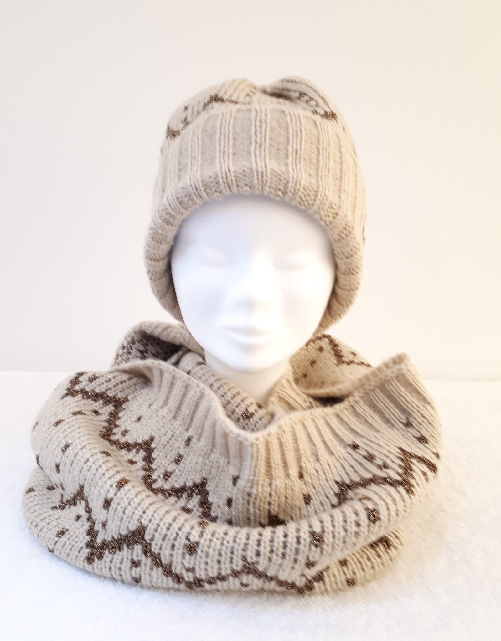 About accessories Ladies Knitted Turtleneck with Lurex Thread