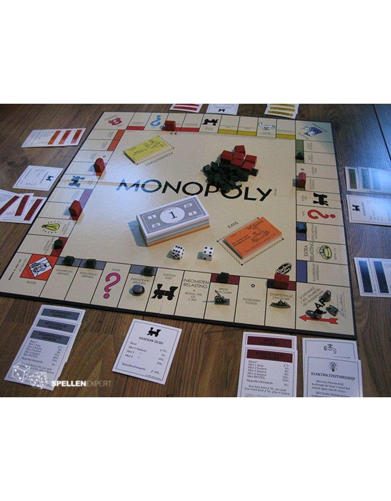 Hasbro Monopoly Retro 2016