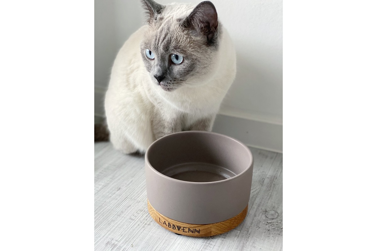 Labbvenn Vuku Ceramic Voerbak Cacao