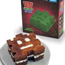 Retro arcade cake mould