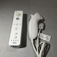 Wii controller + nunchuck