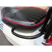 Custom Vespa Primavera zadel zwart/rood