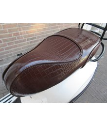 Croco Vespa Primavera zadel chocolate brown