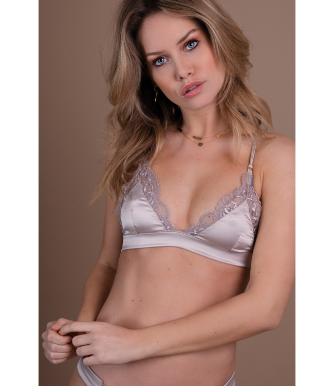 Chptr- S Curious Bralette Champagne