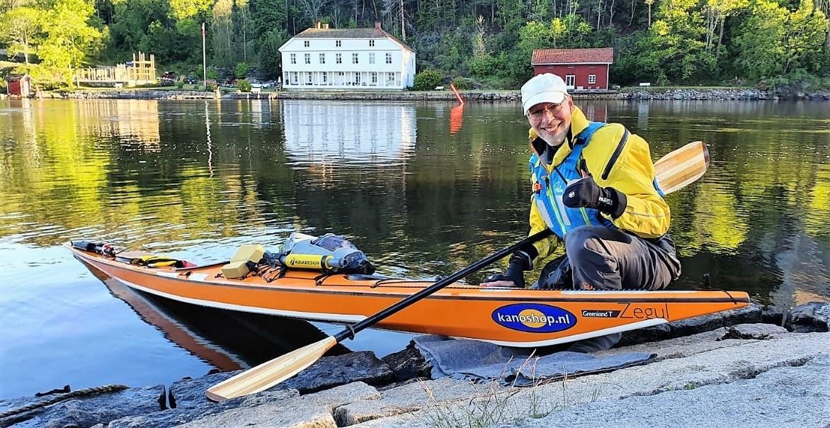 Eerste Nederlander ooit volbrengt solo-zeekajaktocht van 2400 km langs Zweedse kust
