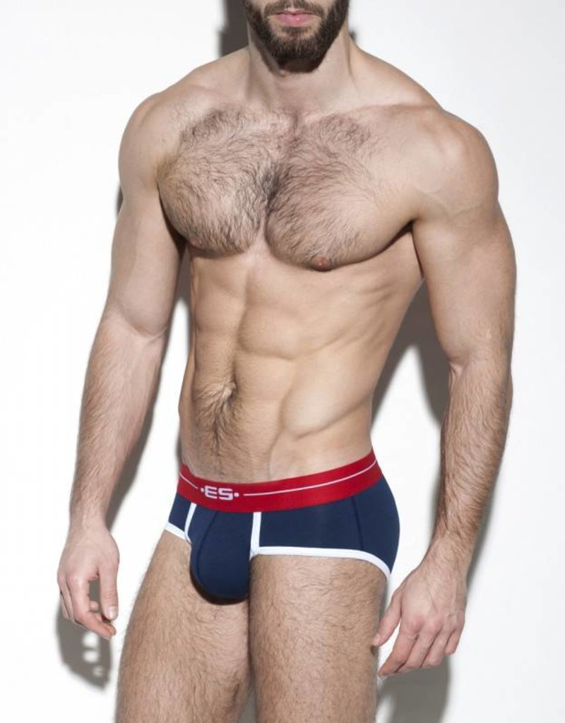ES Collection UN261C09  7 Days Brief